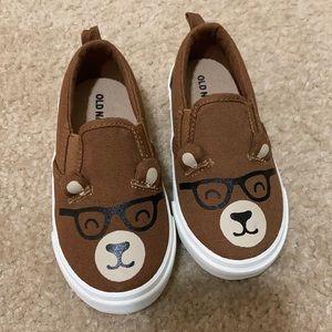 Toddler boys slip on shoes